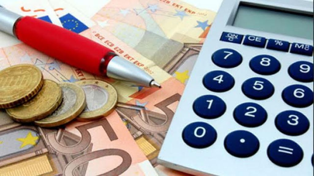 Kosovo: Businesses and individuals in debt