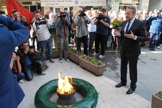 Izetbegovic under pressure to resign