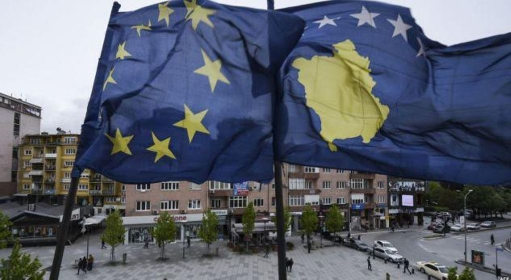 Albanian politicians praise the European Parliament's decision for the liberalization of visas with Kosovo