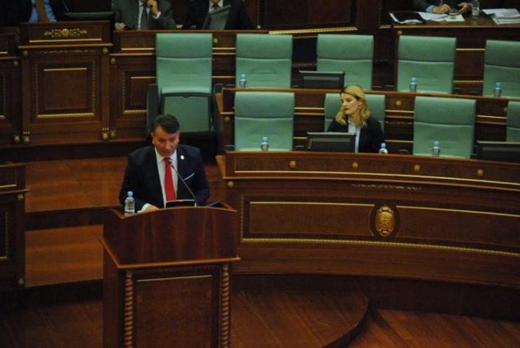 Kosovo: Resolution for the suspension of dialogue with Serbia is approved