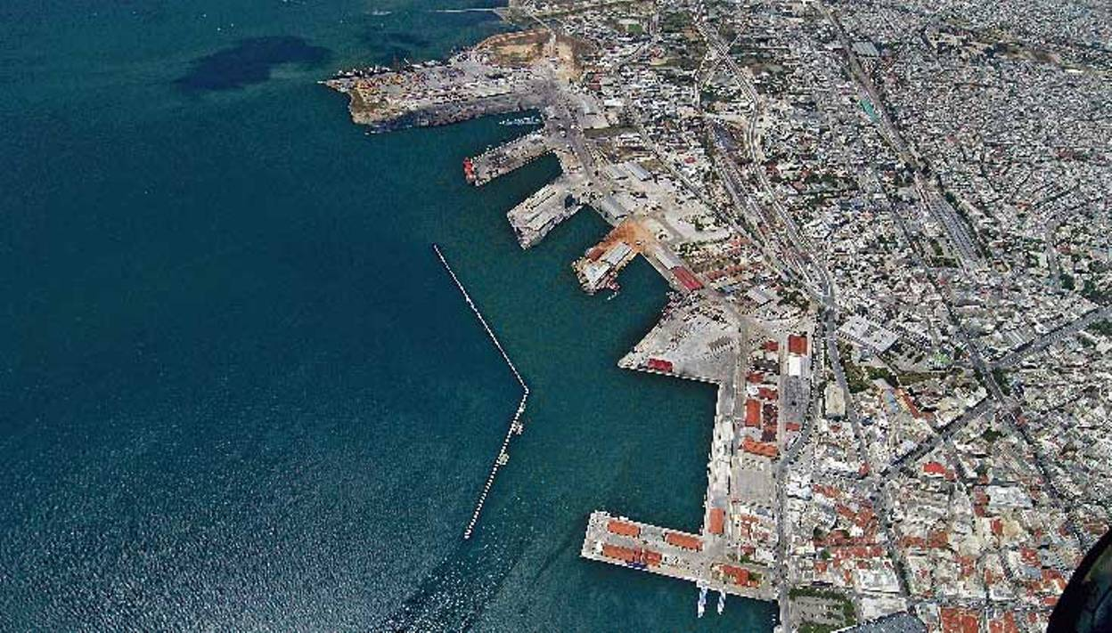 Consortium pays 1.1 bln euros to buy 67 pct of Thessaloniki Port Authority