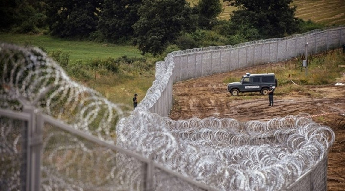 Bulgarian President claims 'many disturbing facts' about building of fence at Turkish border