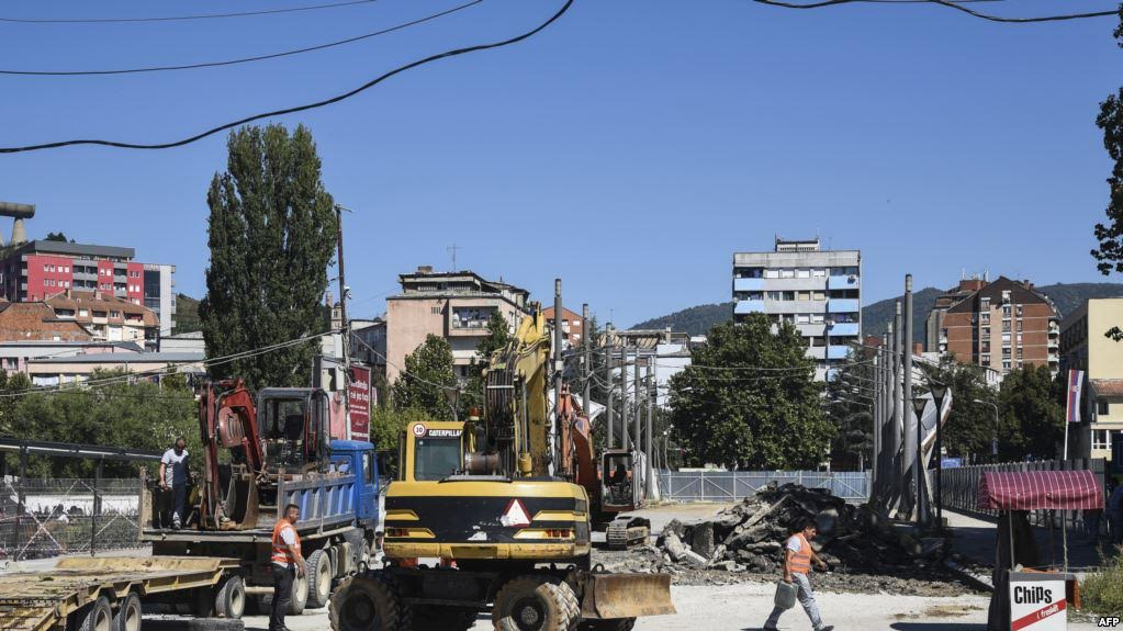Works on the Iber river bridge in the north of Kosovo are halted