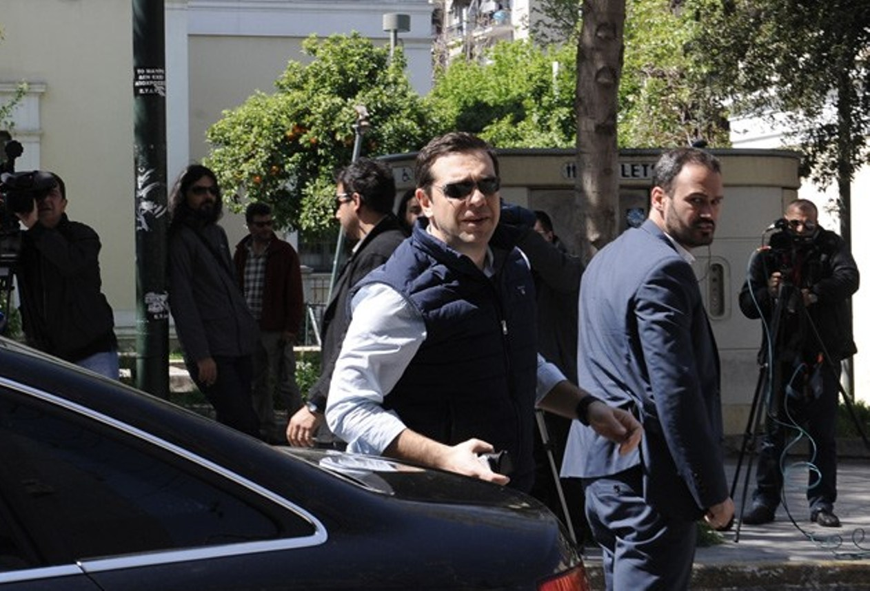 Greek Political Games in the Shadow of the Evaluation process