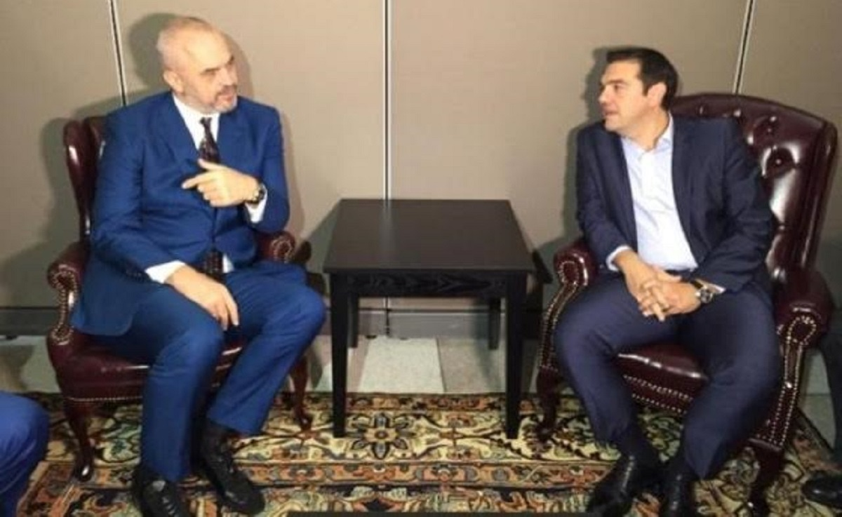 PM Alexis Tsipras and Albanian counterpart Edi Rama hold talks on the phone