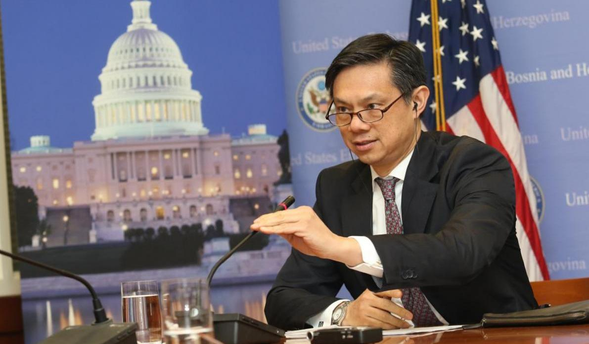 The messages that Hoyt Yee gave for Kosovo