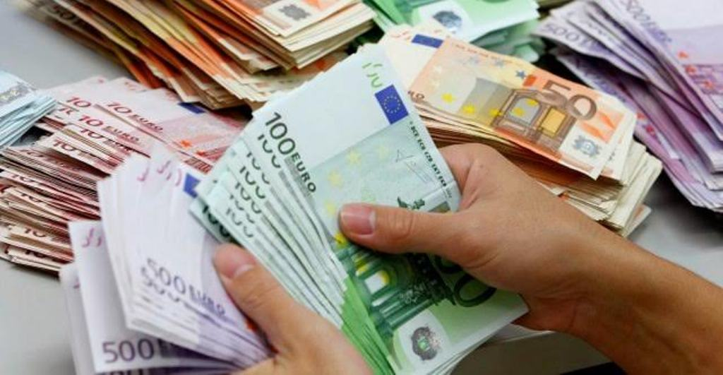 Albanian migrant workers are sending more money at home