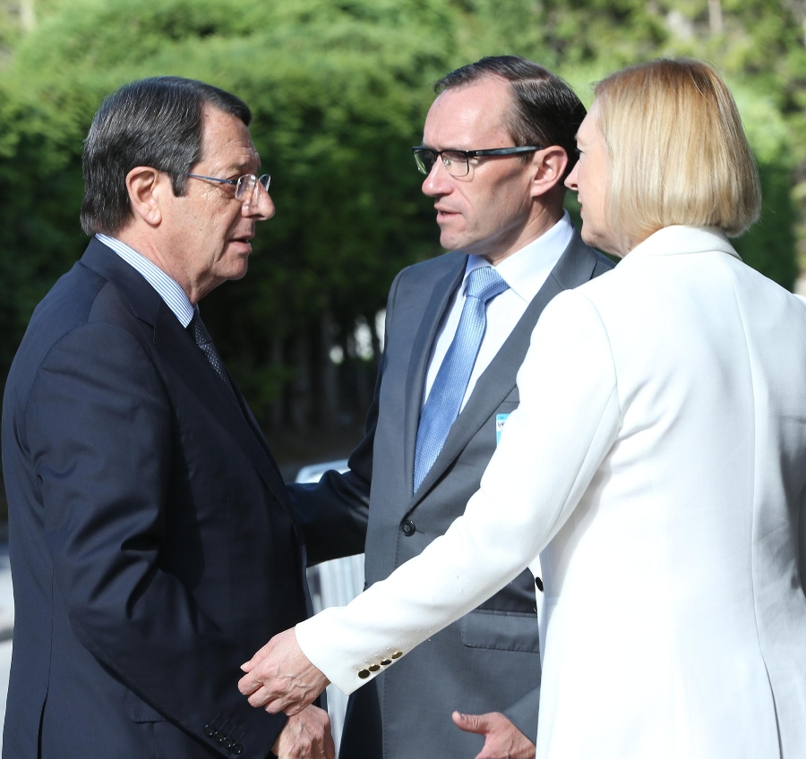 The proceedings of the Conference on Cyprus continue in the presence of the UNSG