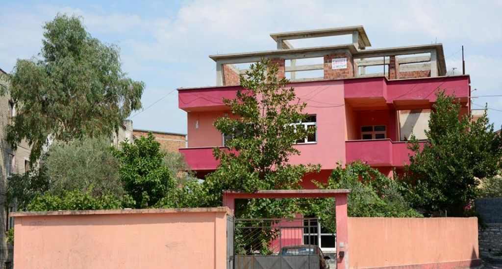 75,4% of households in Albania live in detached houses