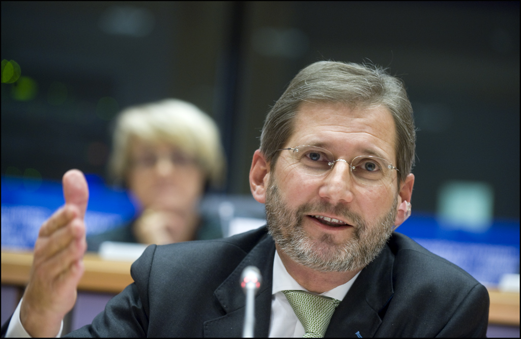 High expectations in Skopje from European Commissioner's Hahn visit