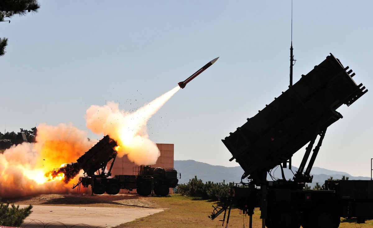 Gov't might pay a first instalment for the Patriot missiles in November
