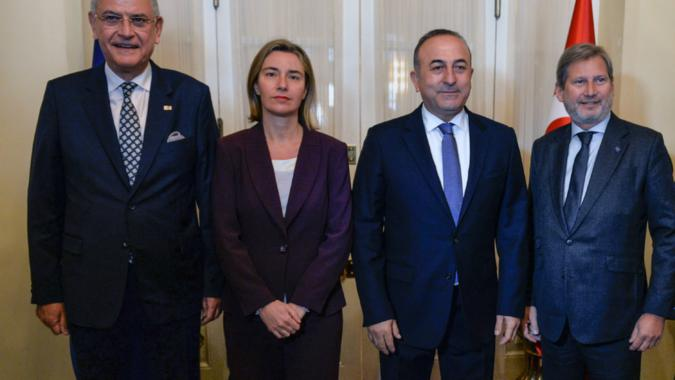 Behind closed doors. What happened during EU-Turkey meeting.