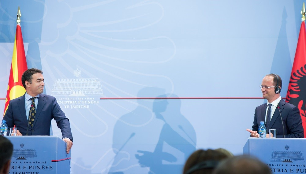 Bushati and Dimitrov agree on a joint government meeting