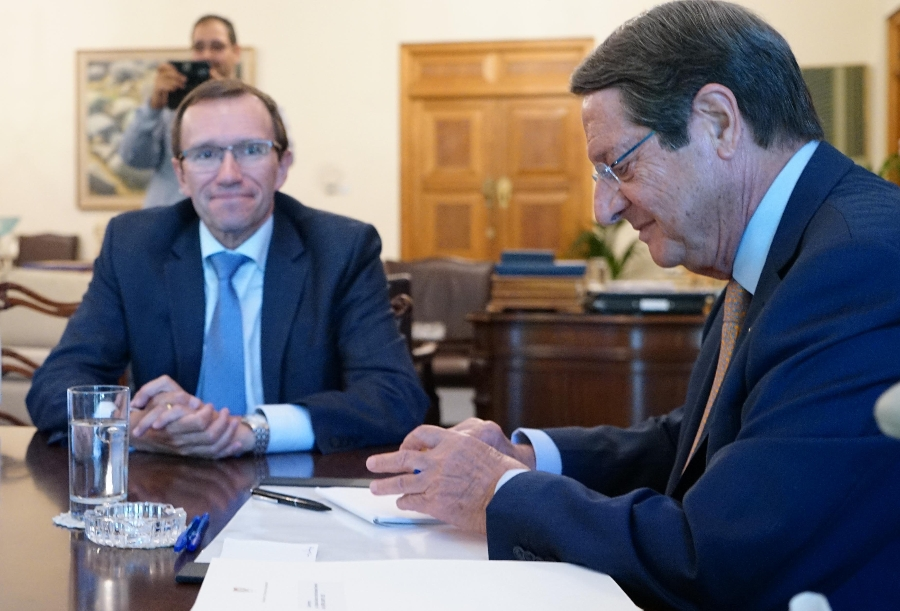 President Anastasiades hands Espen Barth Eide letter of complaint in a meeting at the Presidential Mansion