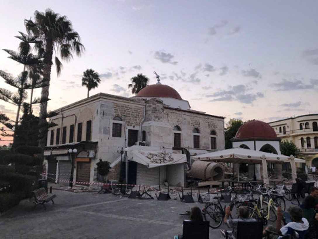 Powerful earthquake in Turkey and Greece leaves at least two dead in Kos, 200 injure