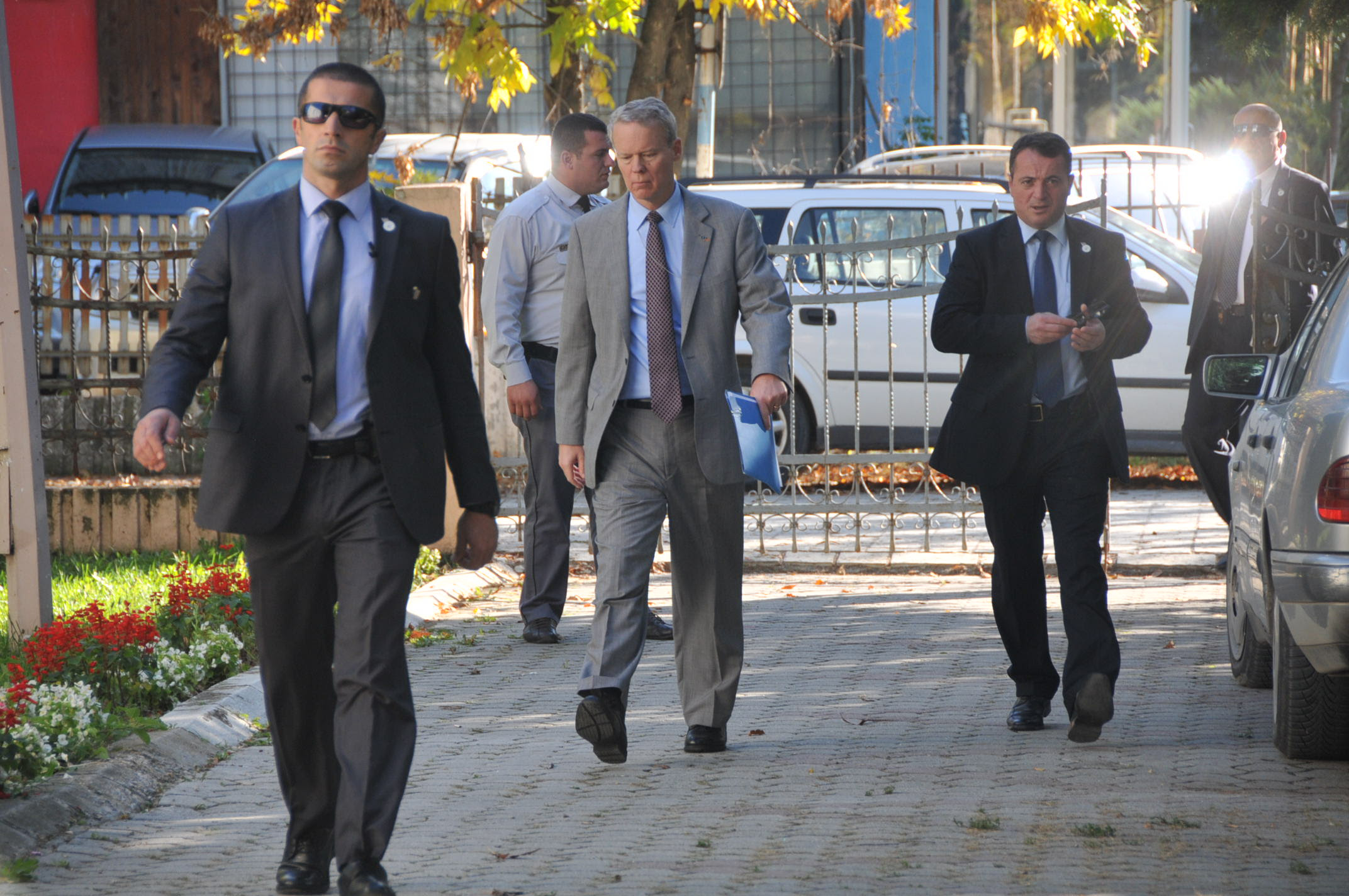 Kosovo: International community wants a stable government in Kosovo
