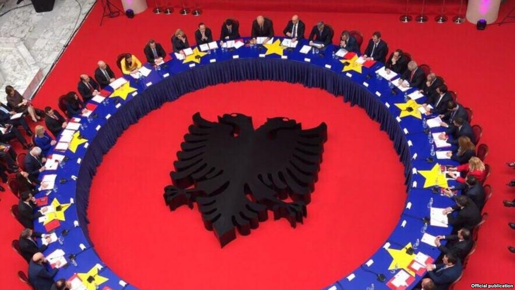 Kosovo: New government will aim to improve relations with Albania