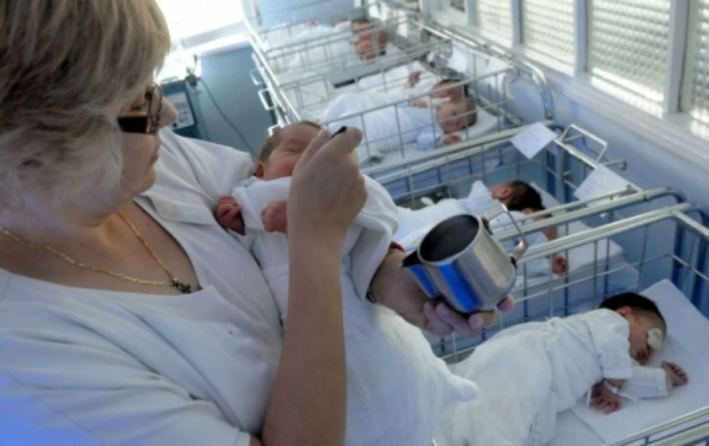 Birth rates in FYROM fall, number of divorces grows