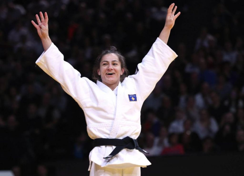 Majlinda Kelmendi makes it through the world championship semi-final