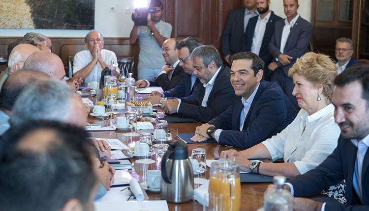 Tsipras: The aim of the government is to exit the memoranda in August 2018