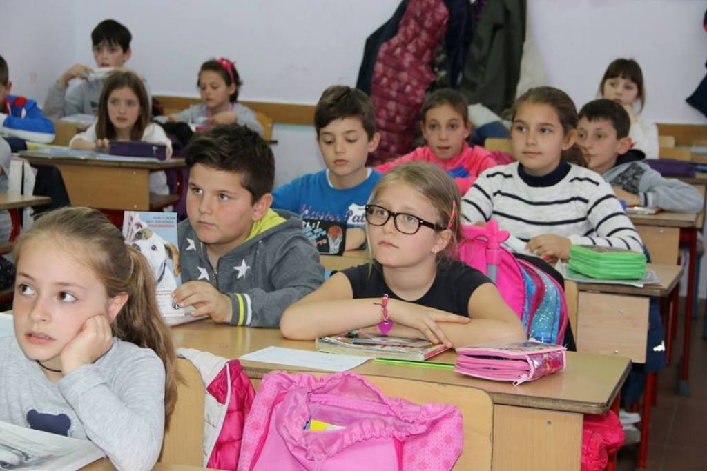 "Illiteracy is ""knocking"" on Albania's doors, 5.4% fewer pupils in grammar schools"