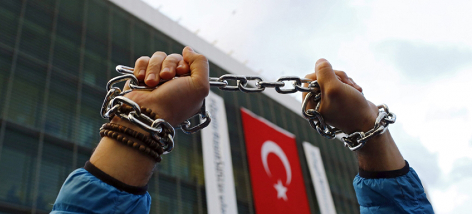 Thirty-five journalists arrested in Turkey