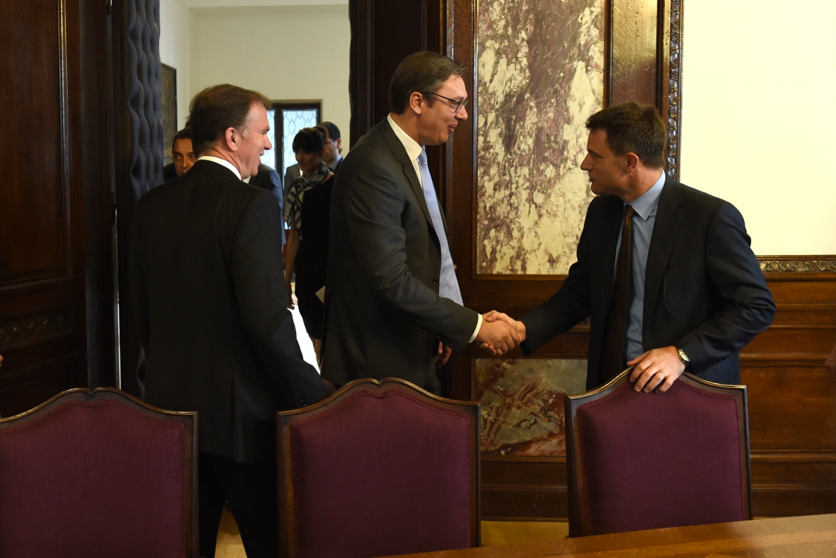 Vucic meets with US military delegation