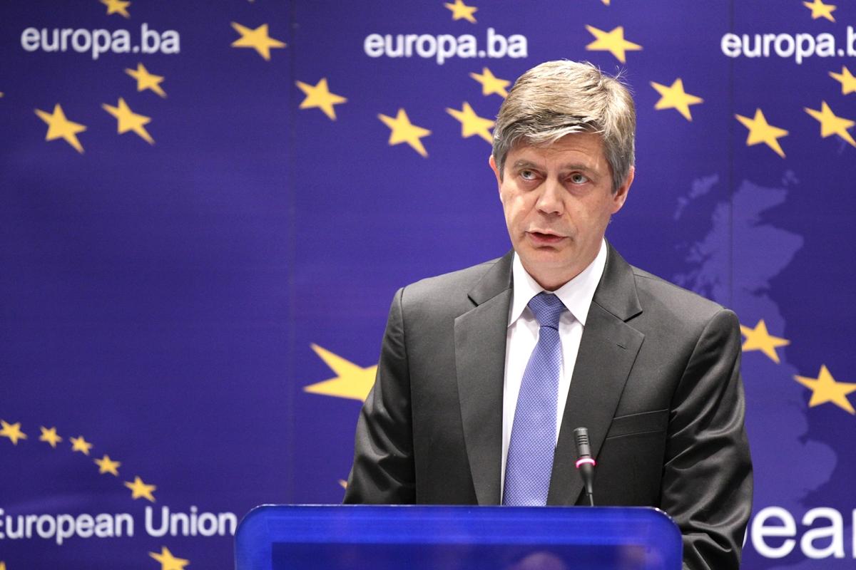 EU helps BiH counter corruption at all levels