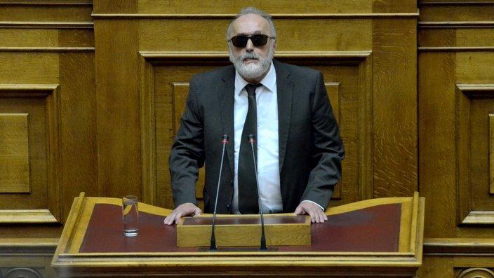 Shipping minister under fire over Saronic Gulf oil spill