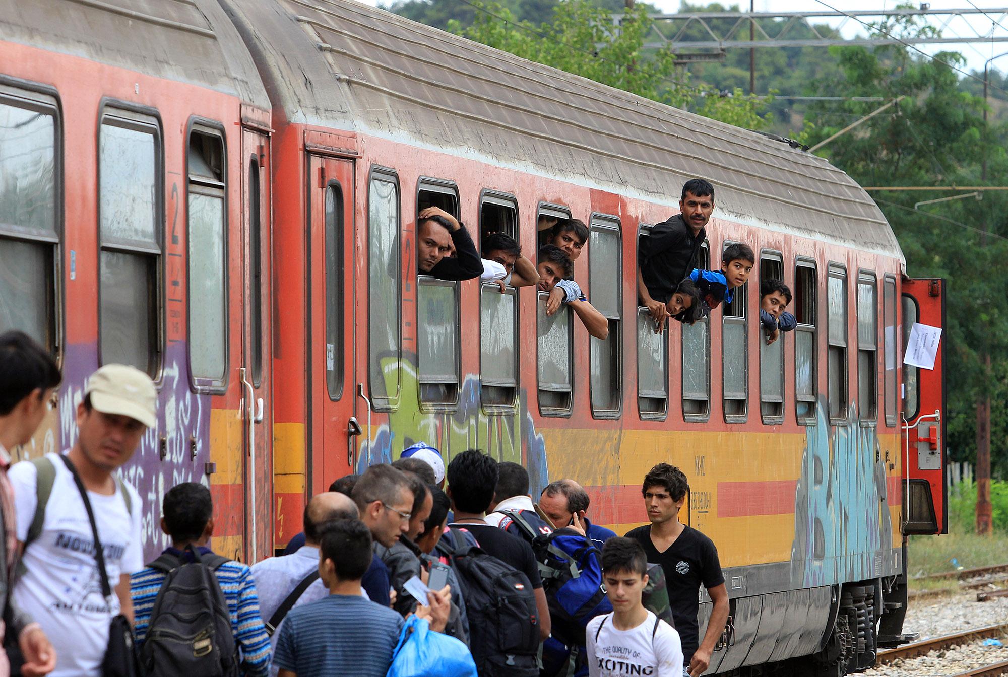 VMRO-DPMNE insists on a referendum against refugees