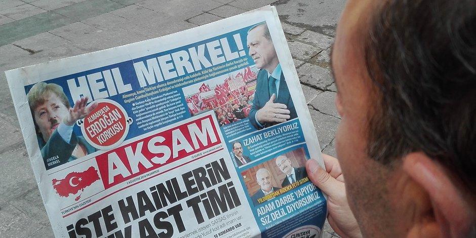 Turkish newspaper depicted Merkel as Hitler
