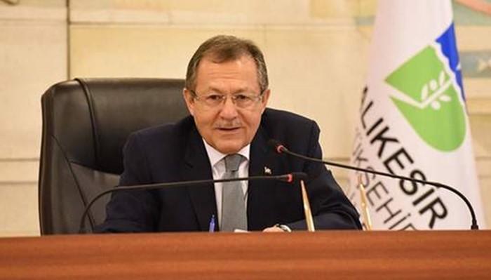 Erdogan sacks all Mayors of his party