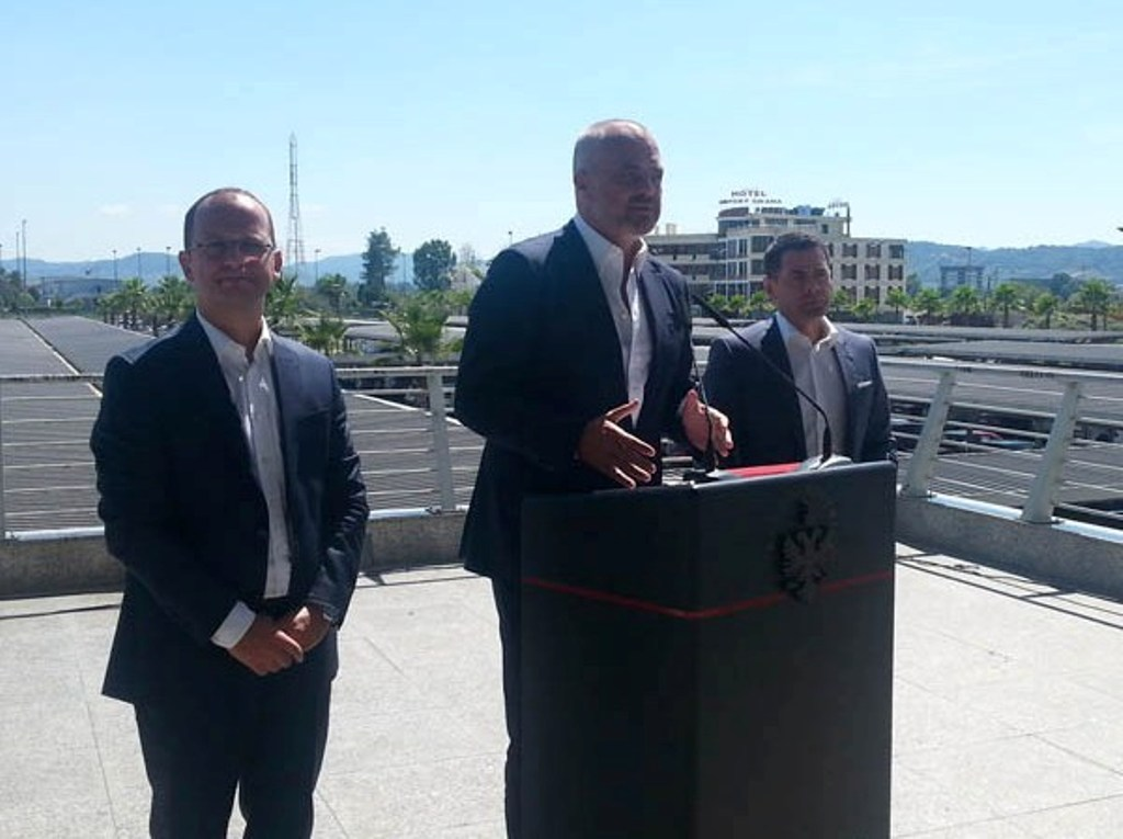 Albanian government calls on foreign companies to invest in the country