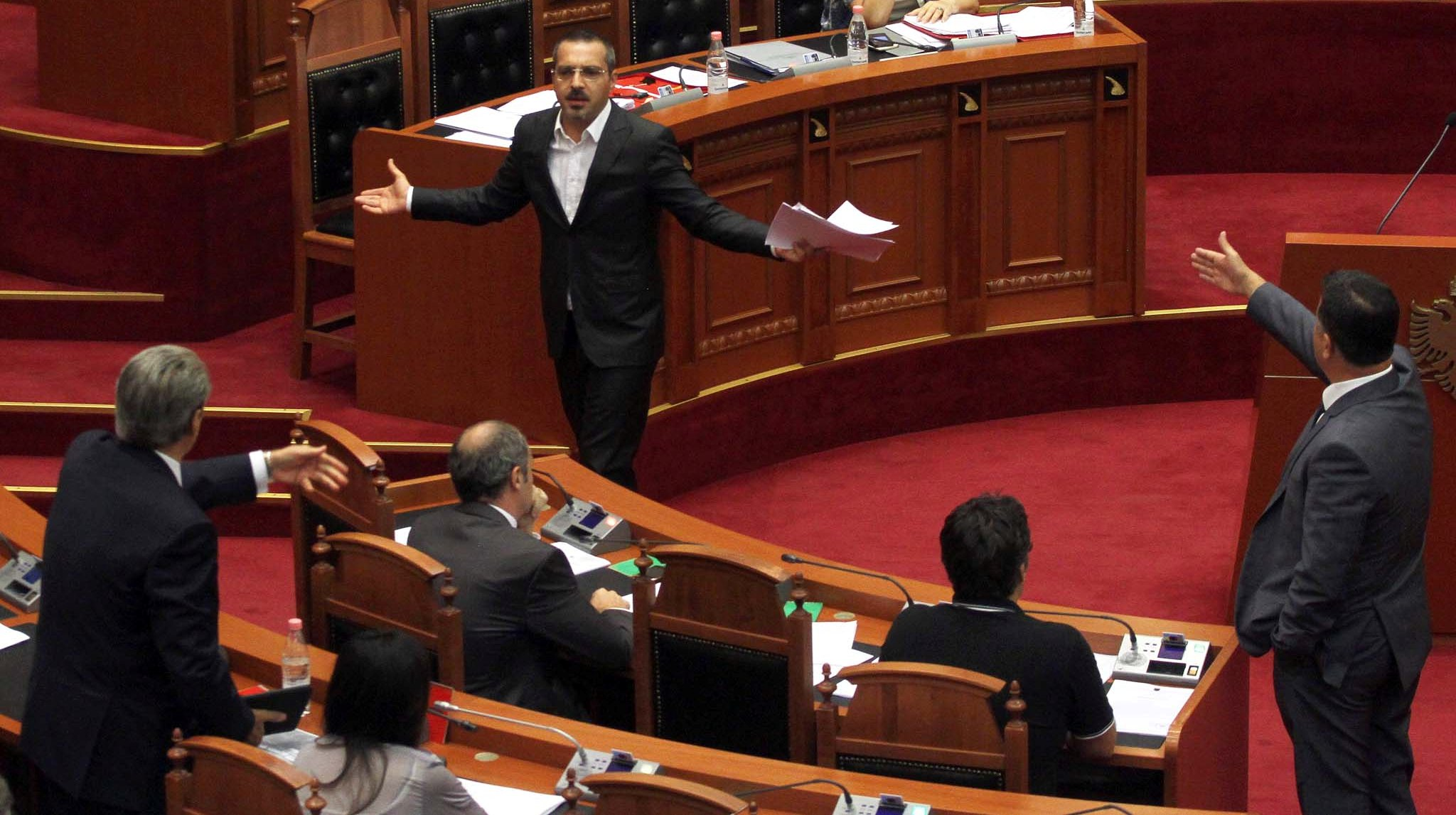 Parliament of Albania votes against the arrest of the former Interior minister