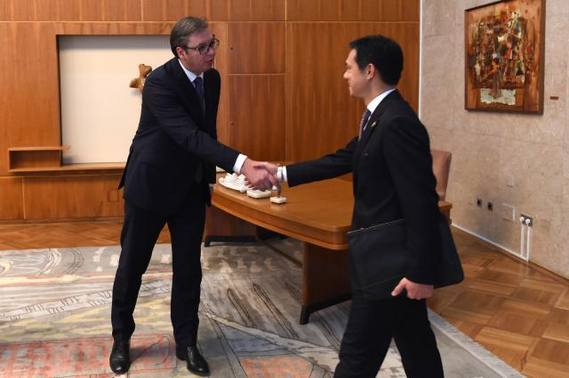 """""""Tense"""" meeting of Vucic with the U.S. official"""