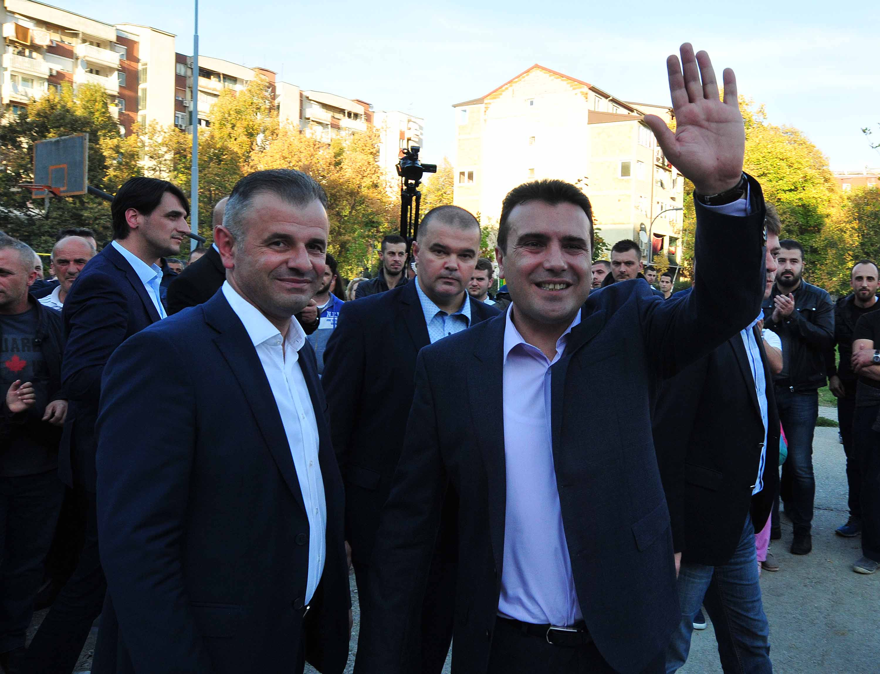 Zaev backs BDI's campaign, political parties react