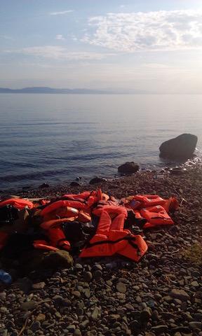 Migrant landings increase, Greek islands look for solutions
