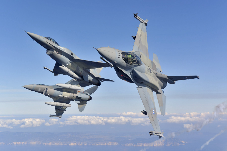 Greek government defends deal with US to upgrade warplanes