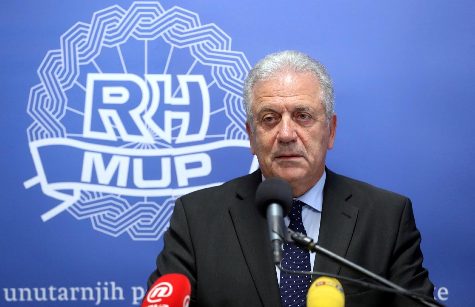 Avramopoulos holds constructive talks on migration in Zagreb
