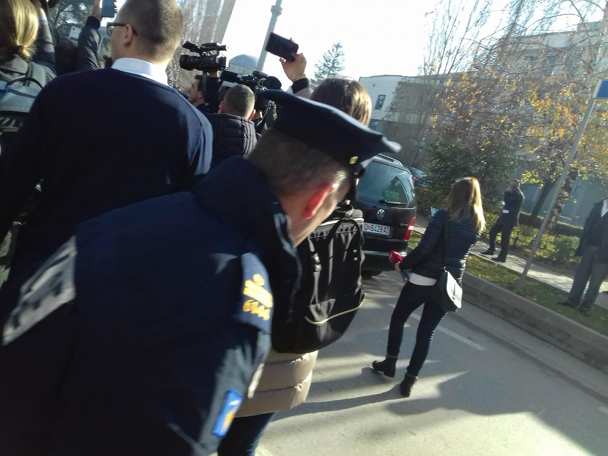 Kosovo: police arrest three opposition MPs