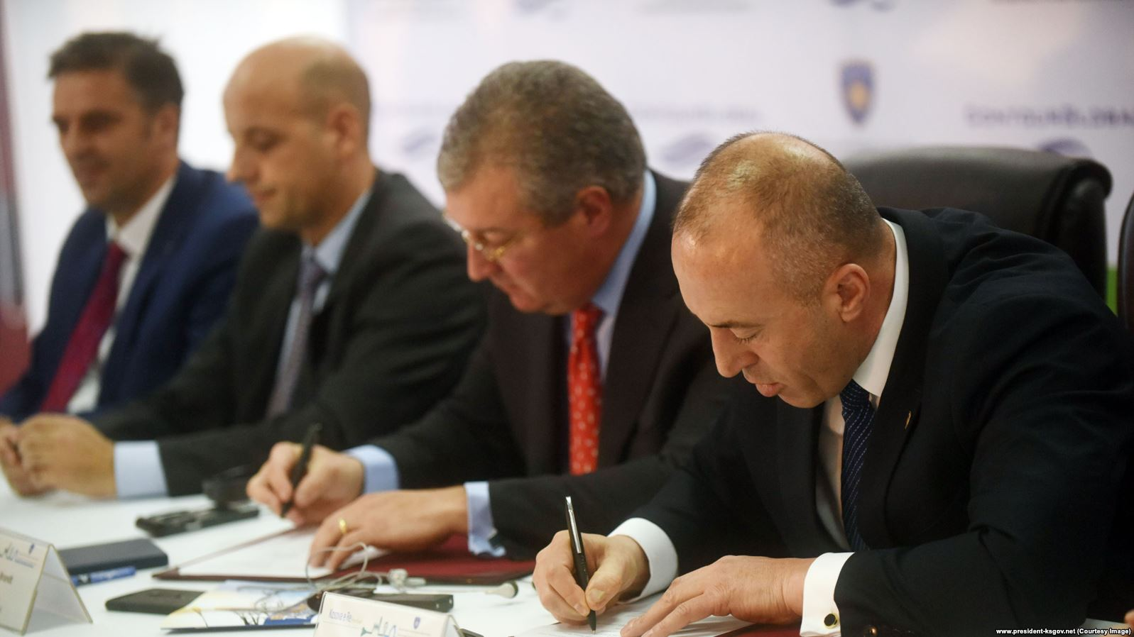 "Agreement signed for the construction of ""New Kosovo"" thermal power plant"