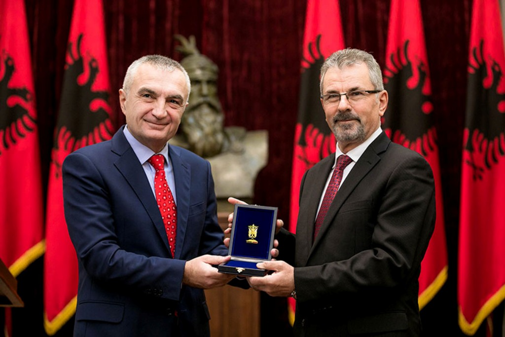 Albanian president praises the former head of intelligent services