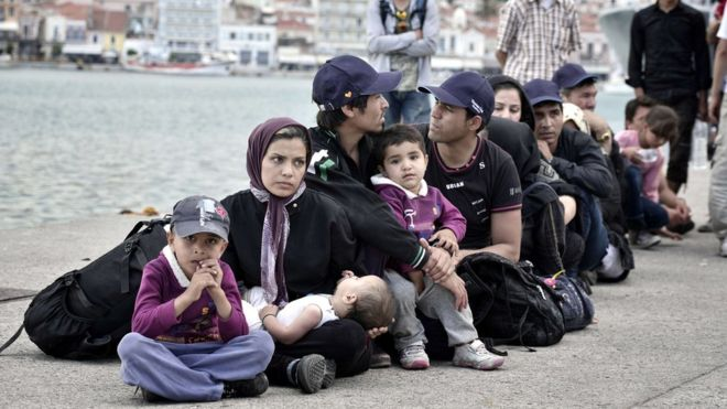 More refugees and migrants to be transferred from Lesbos to Piraeus