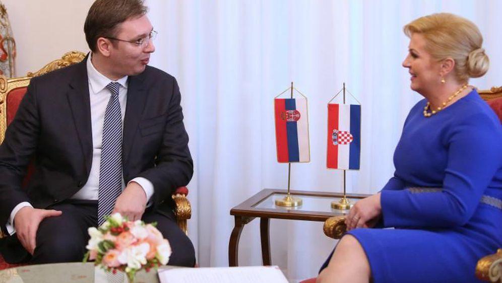 Grabar Kitarovic invites Vucic to visit Zagreb