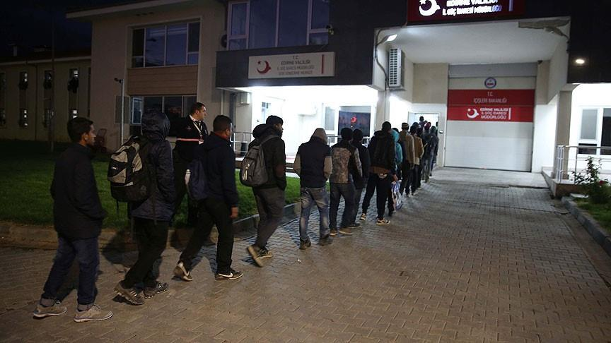 Turkish authorities hold more than 350 undocumented migrants