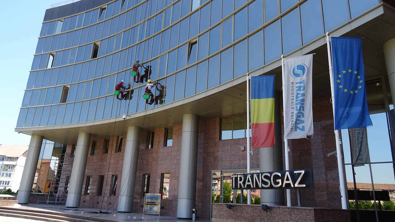 Romanian Transgaz might end up acquiring part of Greek DESFA together with Reganosa