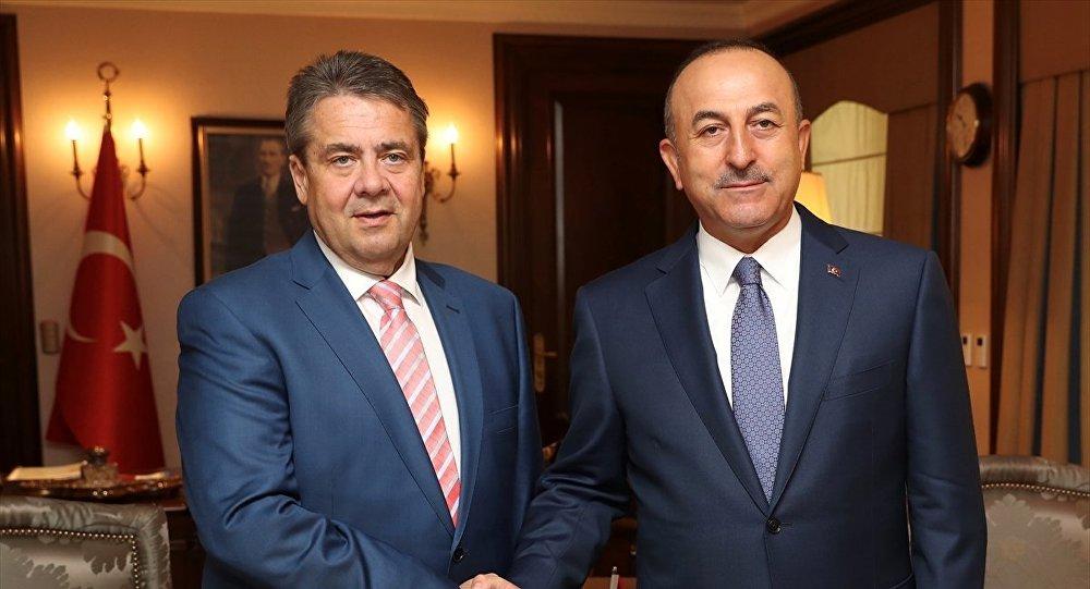 Cavusoglu's visit to Gabriel – Turkey's rapprochement with EU kicked off in Greece