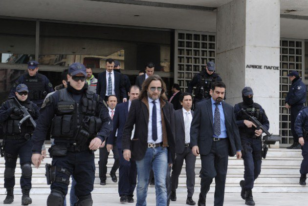 Athens leaves open the possibility of trying the 8 Turkish officers in Greece