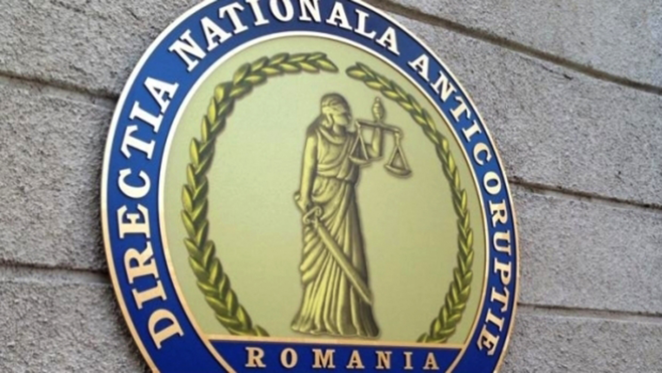 Romanian justice tries to breathe, the competent minister turns a blind eye to the efforts and social protests