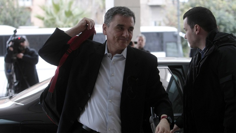Creditors, Greek officials to begin talks on fourth review